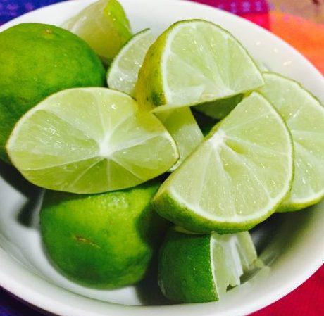 メキシコの現地で良く使われれているリモン[Limón](英語でキーライム[Keylime])